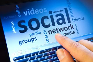 Entrepreneur and Networks sociaux_ how about you-10 July